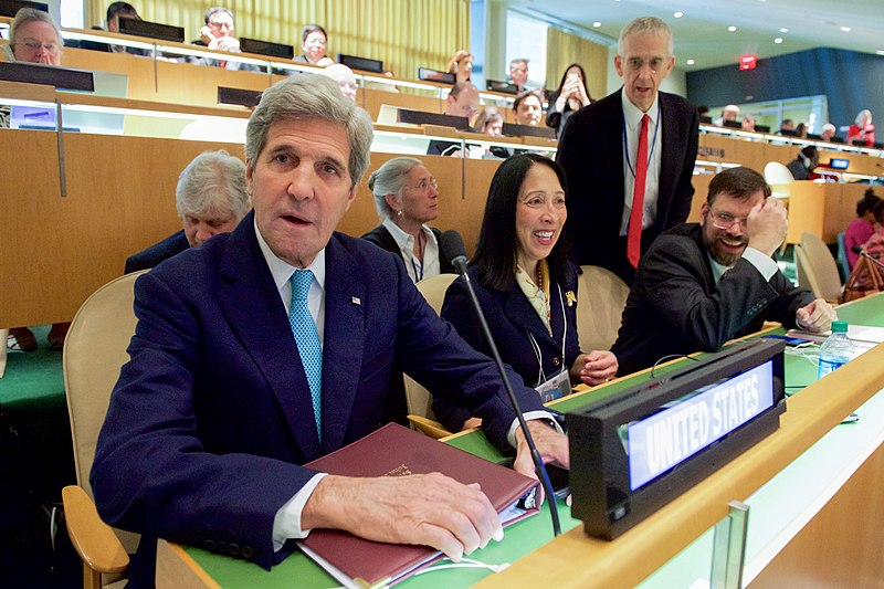 File:Secretary Kerry Sits With U.S. Charge d'Affaires Sison and Former U.S. Special Envoy Stern During the Opening of the UN Signing Event for the COP21 Climate Change Agreement on Earth Day in New York (25971004574).jpg