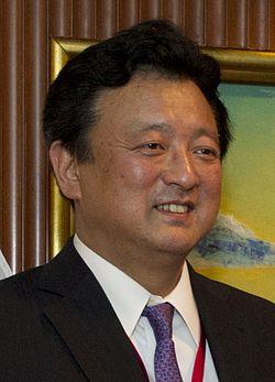 Shū Watanabe, June 2012.jpg