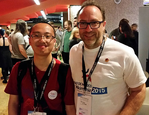 Shujenchang and Jimmy Wales.JPG