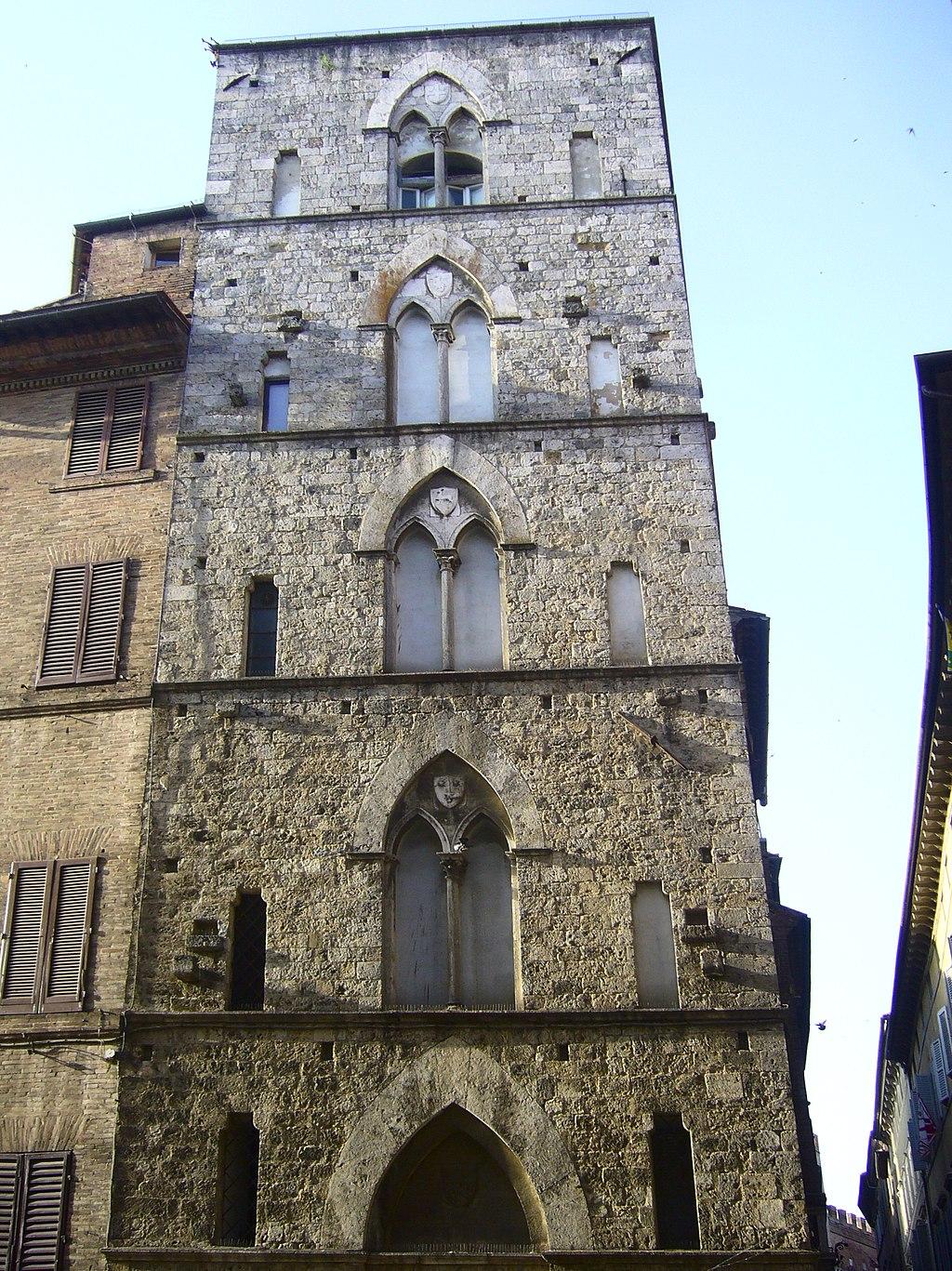 Siena, Torre delle Sette Seghinelle