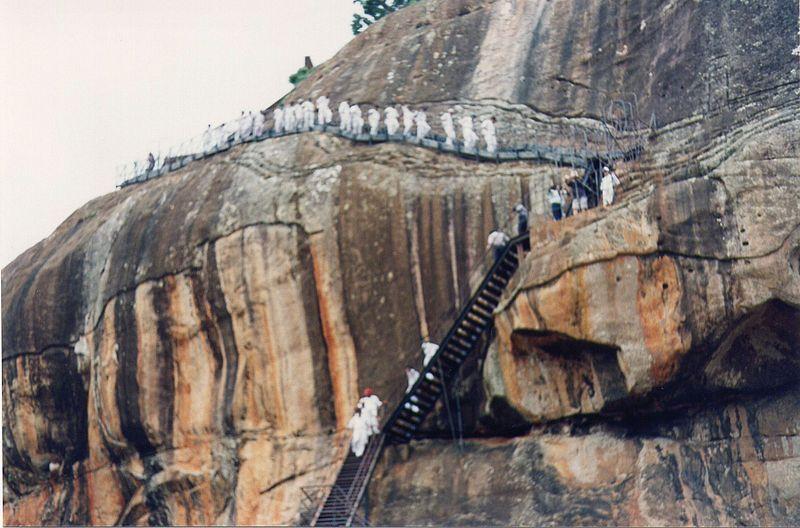 Файл: Sigiriya железа stair2.jpg
