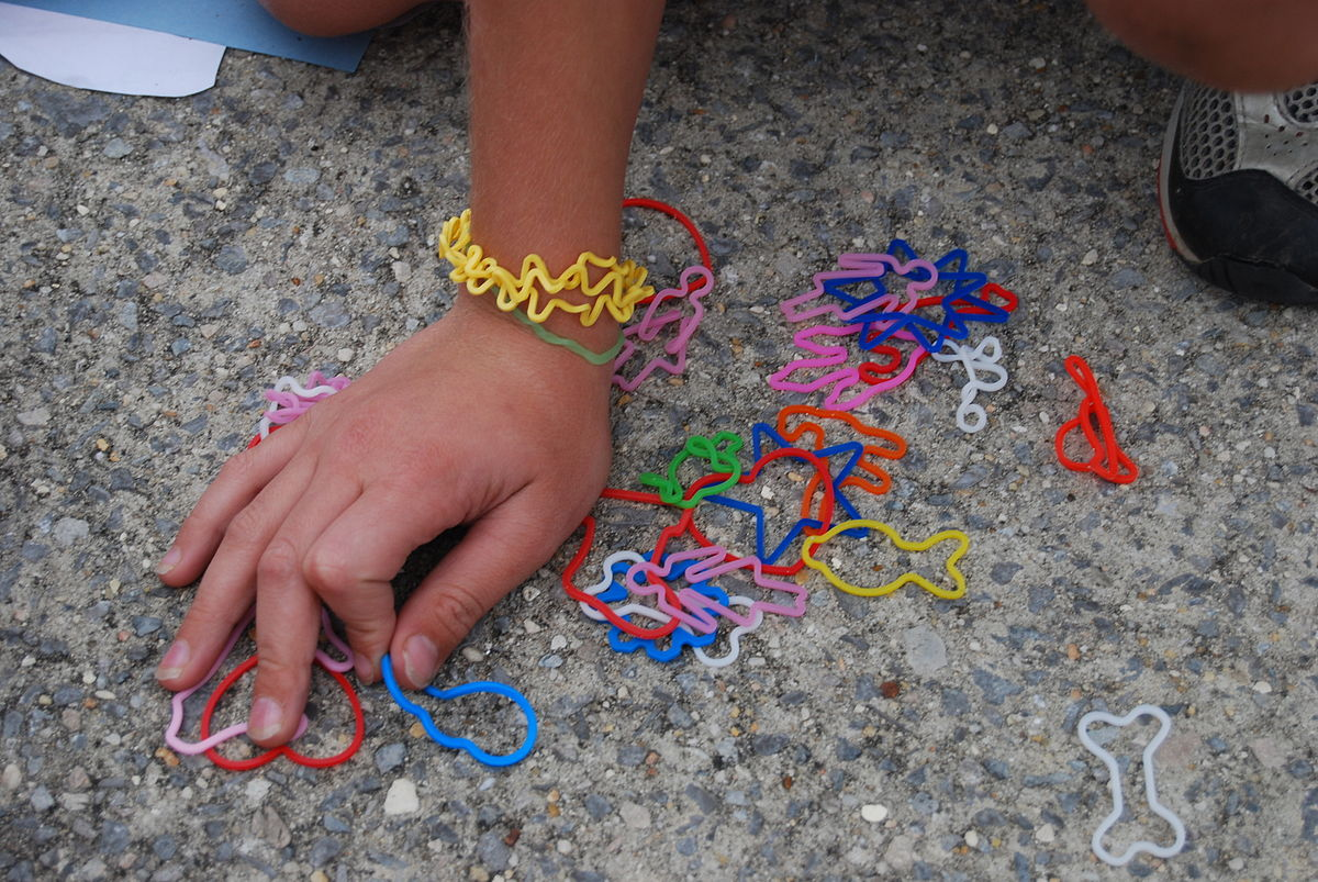 rubber band theory early dating
