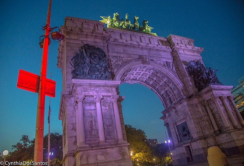 File:Soldiers' and Sailors' Arch at Night.jpg