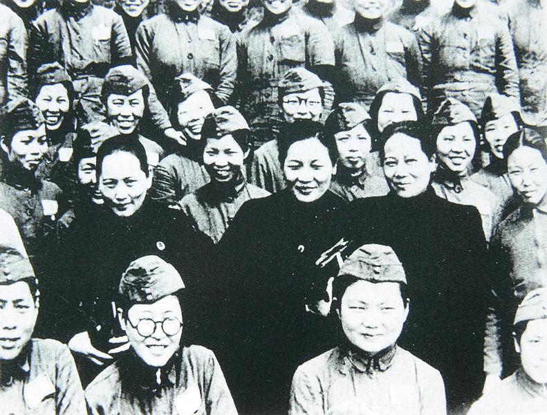 File:Soong Sisters visiting Nationalist soldiers.jpg