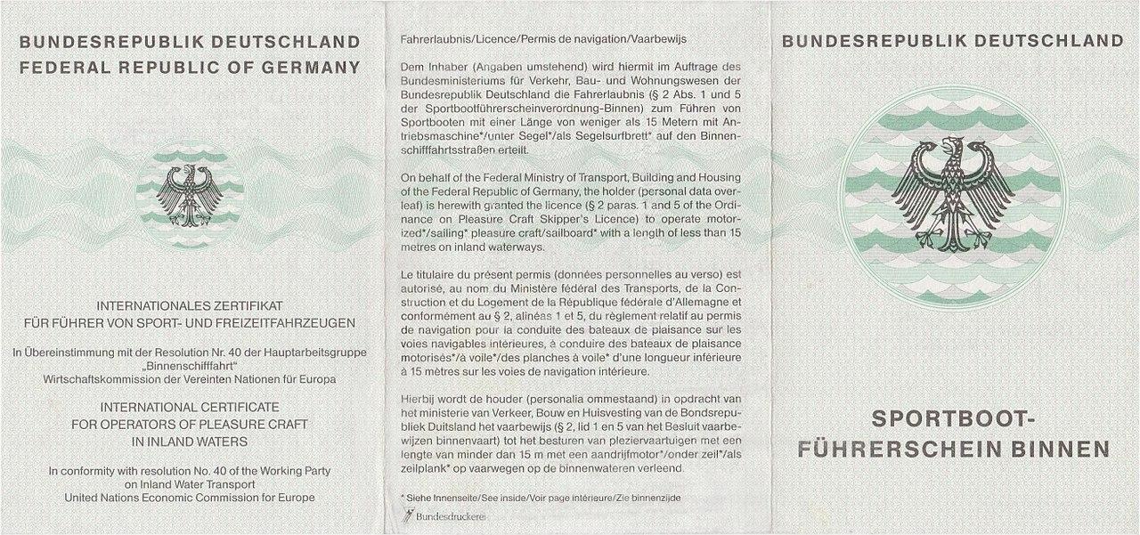 File:Sportbootführerschein Binnen SBF Binnen (retuschiert).jpg ...