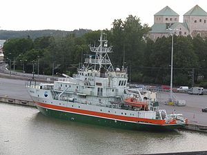 Aranda (1989 ship) - Research vessel Aranda in port on the Aura River