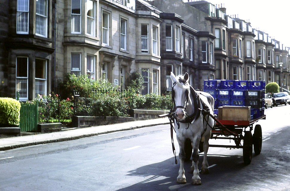 St. Cuthbert%27s %22Co-op milk cart%22, Edinburgh (1981)