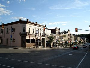 St. Marys, Ontario - Image: St Marys Ontario Queen St E 1