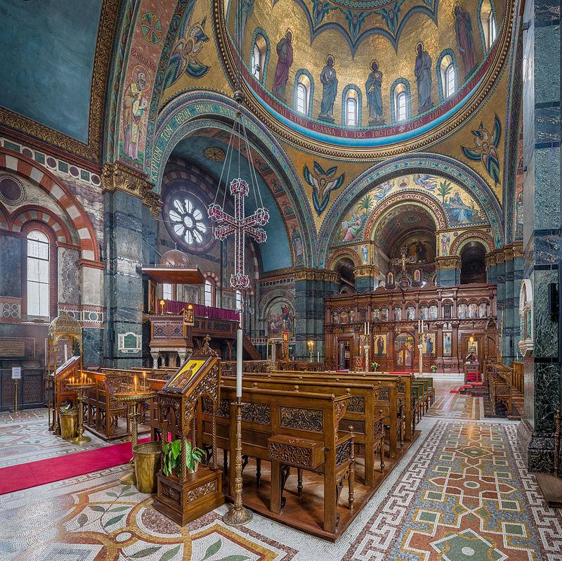 Vue intérieure de la cathédrale Sainte-Sophie, église grecque orthodoxe située dans le quartier de Bayswater, à Londres.  (définition réelle 5683×5671)