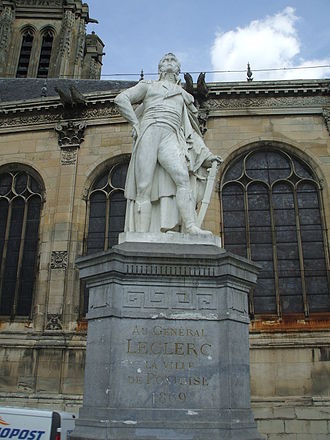 Charles Leclerc (general) - Statue of Leclerc at Pontoise