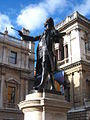 Statue of Sir Joshua Reynolds at the Royal Academy.jpg