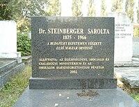Steinberger Sarolta sírja.jpg