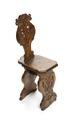 Stol av bonat valnötsträ s.k. Scabello-stol med snidad ryggbräda, 1500-talets andra hälft - Hallwylska museet - 108406.tif