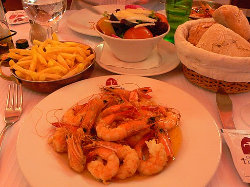 Table set with shrimp dish at Cervejaria Trindade in Lisbon (2009)