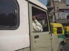 Datei:Taxifahrt Ahmedabad.ogv
