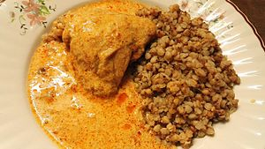 Chicken paprikash - Chicken paprikash with less common buckwheat side dish (tarhonya)