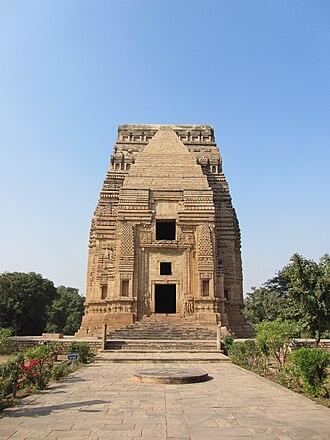 Teli ka Mandir - Front view of the temple