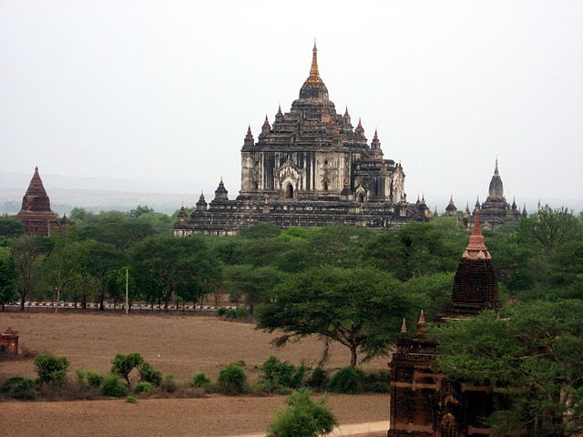 Bagan Temple by Dario Severi (Wikimedia)
