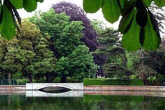 Grove Park (Sutton) - The Leoni Bridge