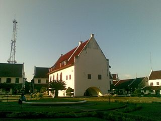 The Ex Dutch Church inside Fort Rotterdam - panoramio.jpg