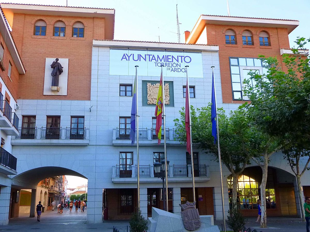 Ayuntamiento de torrej n de ardoz wikipedia la for Mudanzas torrejon de ardoz
