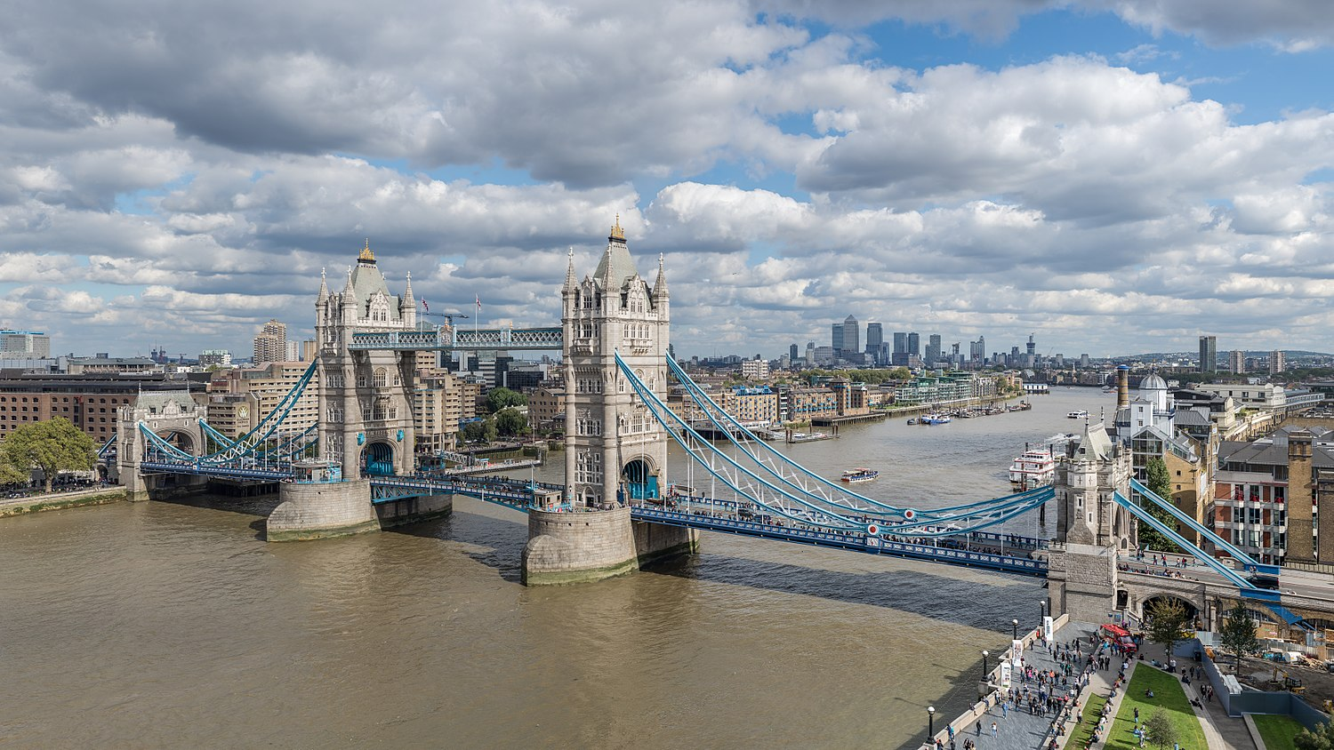 Tower Bridge from London City Hall 2015.jpg