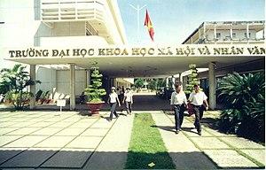 Ho Chi Minh City University of Social Sciences and Humanities - Image: Trường Đại học Khoa học Xã hội và Nhân văn Thành phố Hồ Chí Minh khi mới thành lập