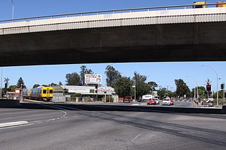 South Road, Adelaide - Image: Trans Adelaide train at Emerson Crossing, Adelaide