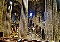 Trento Cattedrale San Vigilio Vescovo Innen Langhaus Lampe 1.jpg