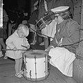 Trommelen in de Beurs, een kleine drum dreumes in aktie, Bestanddeelnr 918-2020.jpg