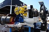 Vista en corte de un Garrett TPE331, un pequeño motor turbohélice.