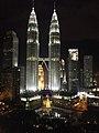 Twin Towers Kuala Lumpur by night (22235675491).jpg