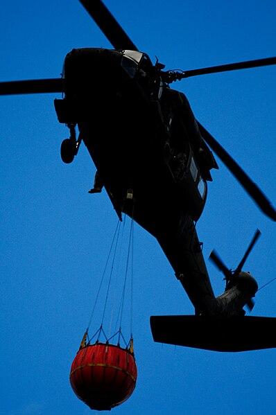 File:UH-60 Black Hawk 405 (10689336714).jpg