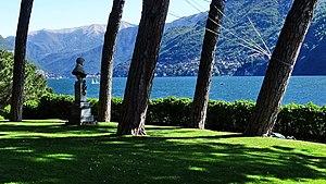 Ugo Foscolo ammira le bellezze del Lago di Como.jpg