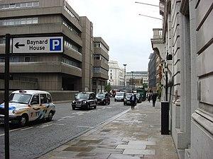 Castle Baynard - Image: Upper Thames Street geograph.org.uk 428706