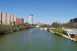 Valladolid rio pisuerga puente mayor playa.jpg