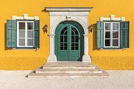 Velden Seecorso 10 Schlosshotel W-Portal 21102019 7318.jpg
