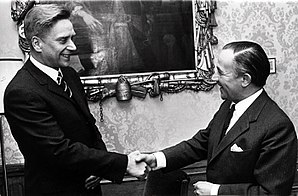 De Jong cabinet - Minister of Education and Science Gerard Veringa and Prime Minister Piet de Jong on 7 April 1967.