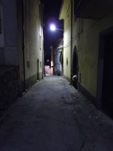 File:Vicolo di Roccamonfina5.JPG