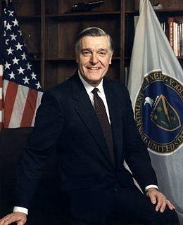 James D. Watkins Chief of U.S. Naval operations (1982–86), 6th U.S. Secretary of Energy (1989–93)