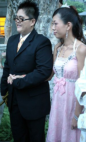Same-sex marriage in Taiwan - One of four newly wedded couples at a public wedding at Taiwan Pride 2006.