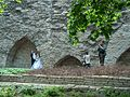 Wedding photos at the wall in Tallinn H9313 C.JPG