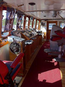 Wheelhouse of the MS Lofoten.jpg