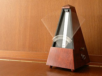 Metronome - A Wittner mechanical wind-up metronome in motion