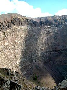 Interno del cratere del Vesuvio
