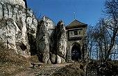 Zamek w Ojcowie - wieża bramna 17.jpg
