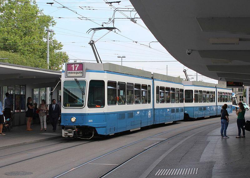 File:Zuerich-vbz-tram-17-swpsigbbc-894201.jpg
