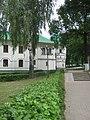 Духовное правление монастыря и одна из угловых башен..JPG