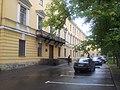 Здание училища с двумя пристроенными флигелями.jpg