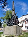 Пам'ятник Щорсу біля будівлі РБК - 2.jpg